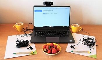 Online präsentieren - das ist mehr als hinterm Bildschirm in ein Mikro zu reden!